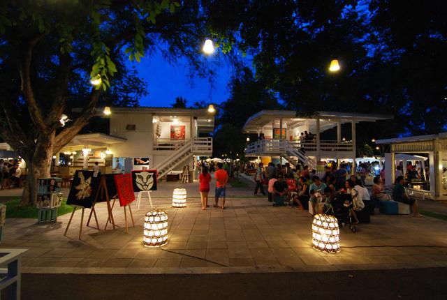 http://huahinsmiletaxi.com/wp-content/uploads/2014/12/TourA_CicadaMarket_3.jpg